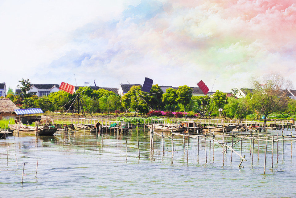 观赏美景之后还可以去岛上人家吃一顿可口农家饭,阳澄湖大闸蟹可是