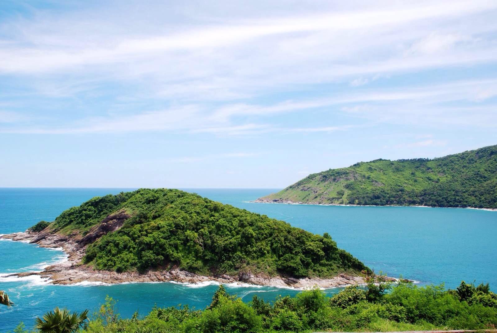 → 珊瑚岛→ 毒蛇研究中心 含早,中,晚三餐 住宿:普吉岛国际