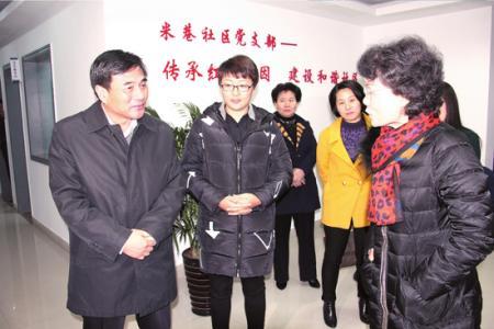 张育林到黄桥镇宣讲十八届六中全会和省第十三次党代会精神