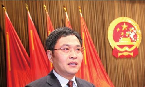 泰兴市第十五届人民代表大会第一次会议  新当选市人民政府市长刘志明表态讲话
