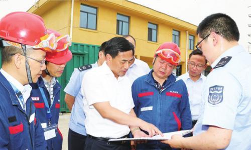 张育林等市领导专项督查夏季安全生产工作