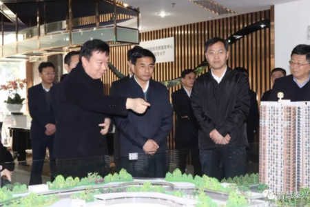 张育林考察相关企业及建筑市场