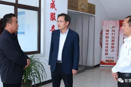 刘志明调研黄桥镇基层党组织建设情况 把村级党组织建设成为坚强战斗堡垒