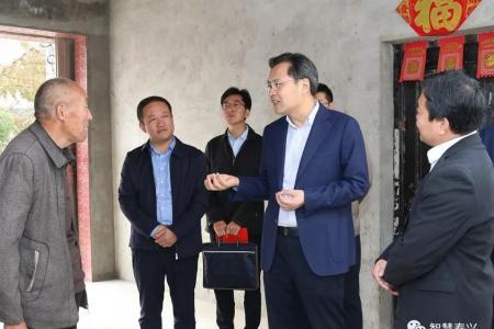 刘志明调研黄桥镇脱贫攻坚工作 打好黄桥老区脱贫攻坚战