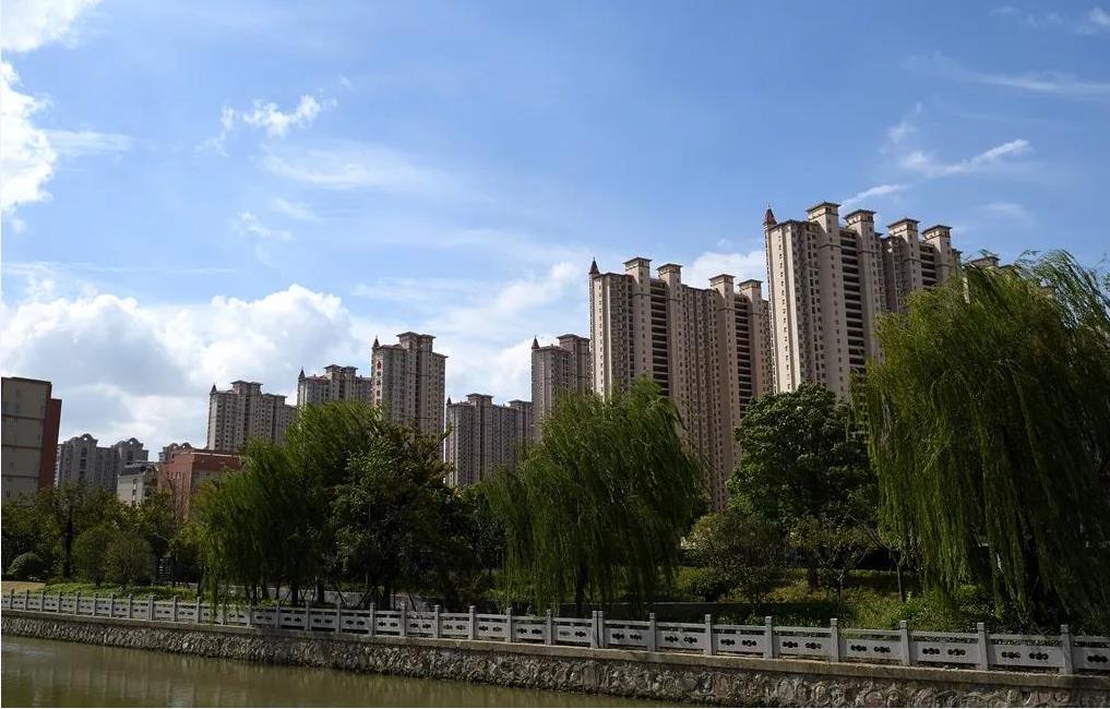 江苏泰兴:为全国文明城市创建工作按下快进键