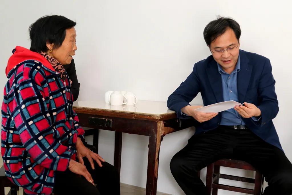 刘志明到黄桥镇督查式调研扶贫工作