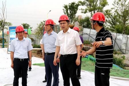 刘志明调研防汛防旱和巡江工作