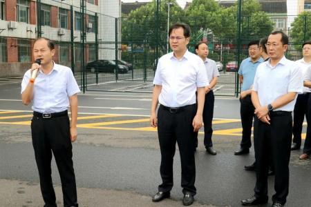 刘志明调研黄桥经济社会发展情况
